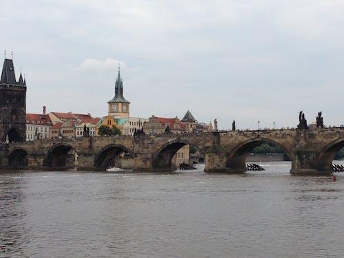 Çek Cumhuriyeti, charles köprüsü, köprü, Prag içeren Ücretsiz stok fotoğraf
