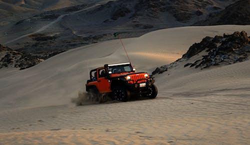 Gratis lagerfoto af dunetruck, eventyr, firehjulstrækker, jeep