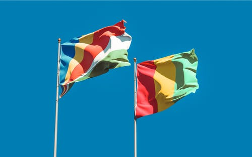 Flag of Guinea and Flag of Seychelles