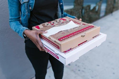 Foto profissional grátis de ao ar livre, caixas de pizza, carreira