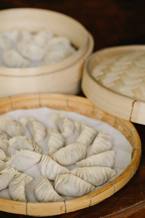 Foto stok gratis bidikan close-up, fotografi makanan, kapal bambu