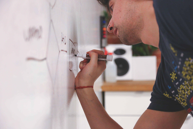 Ingyenes stockfotó diagram, Férfi, filctoll, kézírás témában