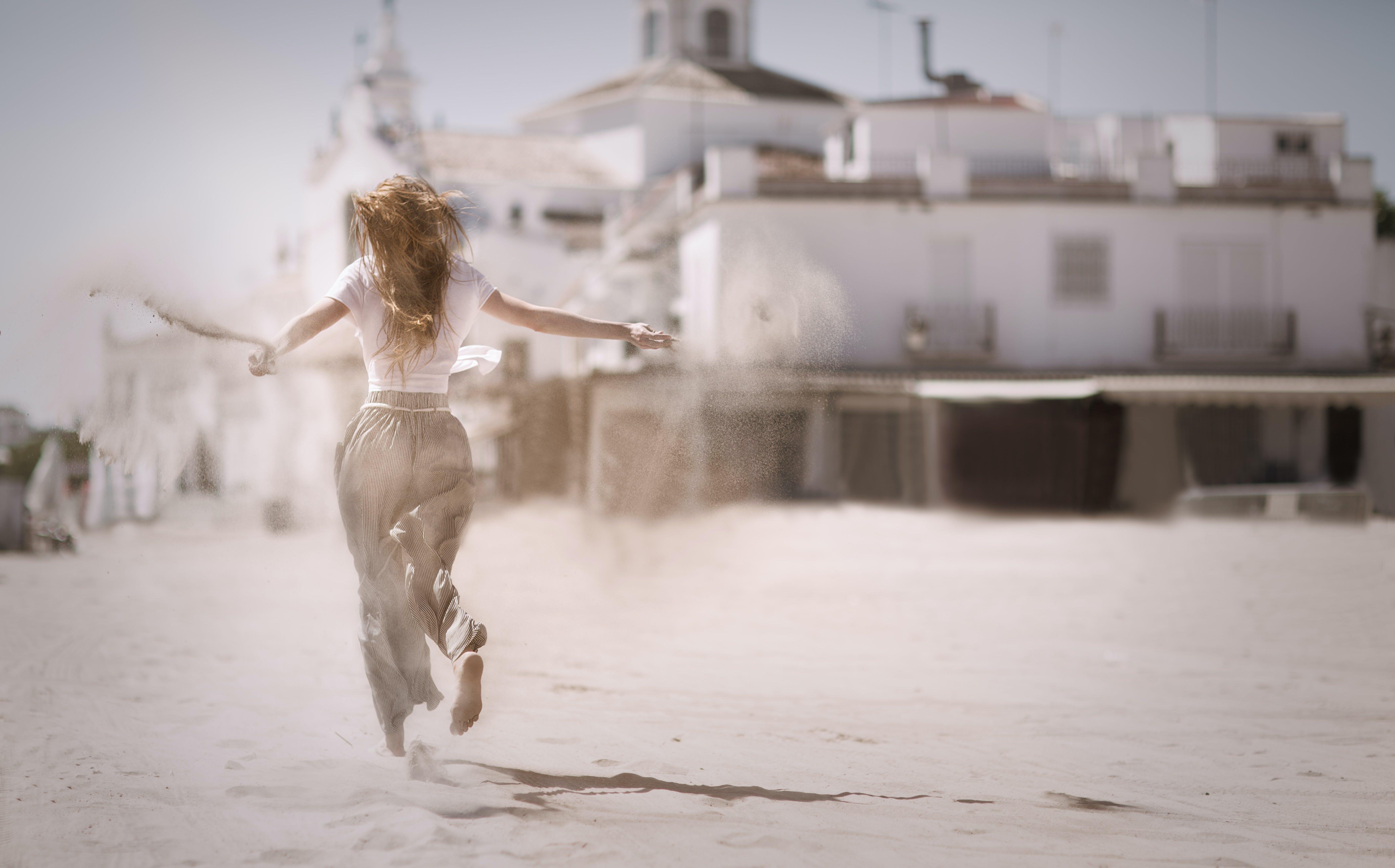 Gratis lagerfoto af bevægelse, bygning, dagslys, frihed