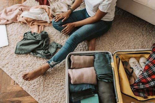 Бесплатное стоковое фото с багаж, беспорядочный, в помещении