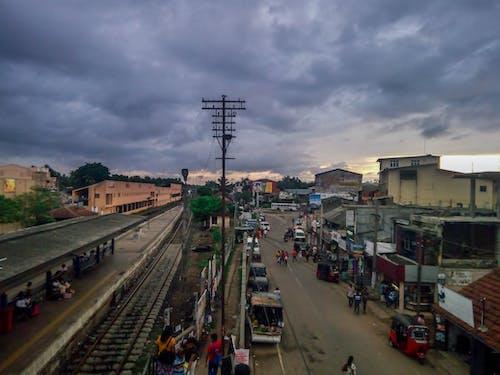 Foto profissional grátis de cidade ocupada, estação de trem, gampaha, noite