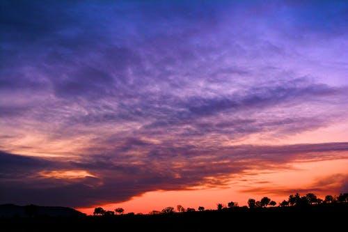 Foto profissional grátis de arco-íris, beleza, céu azulado, céu com cores intensas