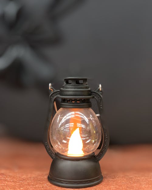 Black and Clear Glass Lamp