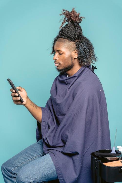 Безкоштовне стокове фото на тему «SMS, афроамериканський чоловік, бавовна»