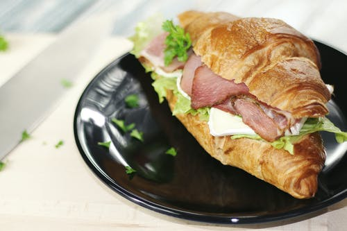 Ảnh lưu trữ miễn phí về bánh mì sandwich, bánh sừng bò, Bữa trưa, cửa hàng bánh mì