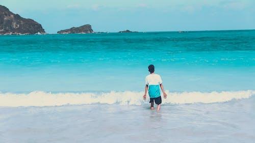 Photos gratuites de adolescent, bord de mer, calme, ciel