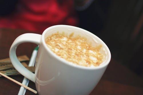 Ilmainen kuvapankkikuva tunnisteilla cappuccino, kahvi, kuppi, latte