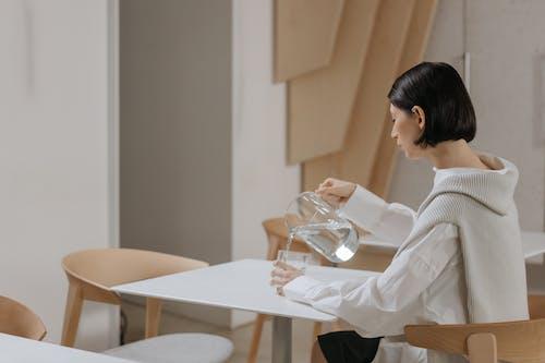 Ilmainen kuvapankkikuva tunnisteilla huonekalut, juoma, juomalasi
