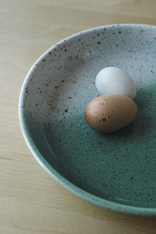 Kostenloses Stock Foto zu braune eier, ei, eier