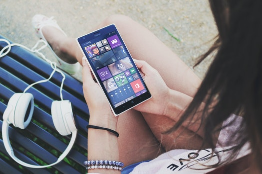 Free stock photo of smartphone, technology, music, mockup