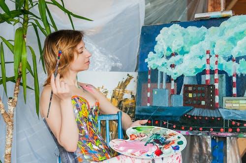 Бесплатное стоковое фото с артист, в помещении, вдохновение