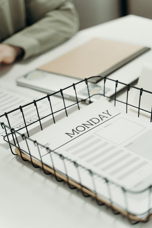 Planner on a Wire Basket