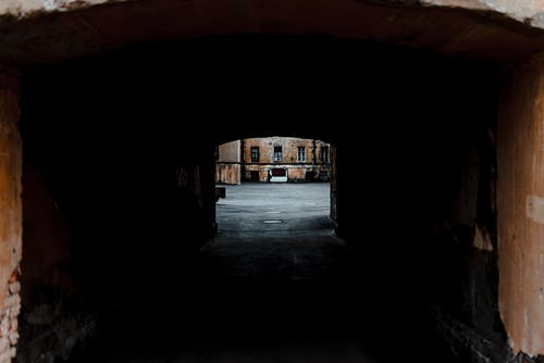 Photos gratuites de à l'intérieur, abandonné, arc