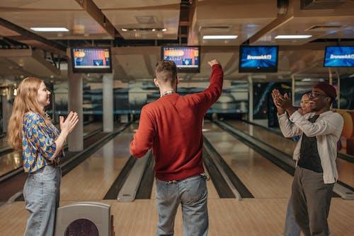 Ảnh lưu trữ miễn phí về bạn bè, bowling, đa dạng