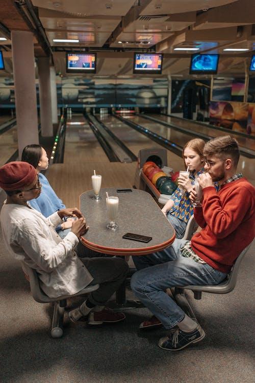Ảnh lưu trữ miễn phí về bạn bè, bắn dọc, bowling