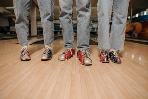 Безкоштовне стокове фото на тему «боулінг, взуття, всередині»