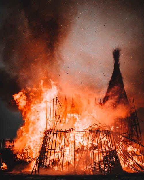 Безкоштовне стокове фото на тему «багаття, вибух, вогонь»