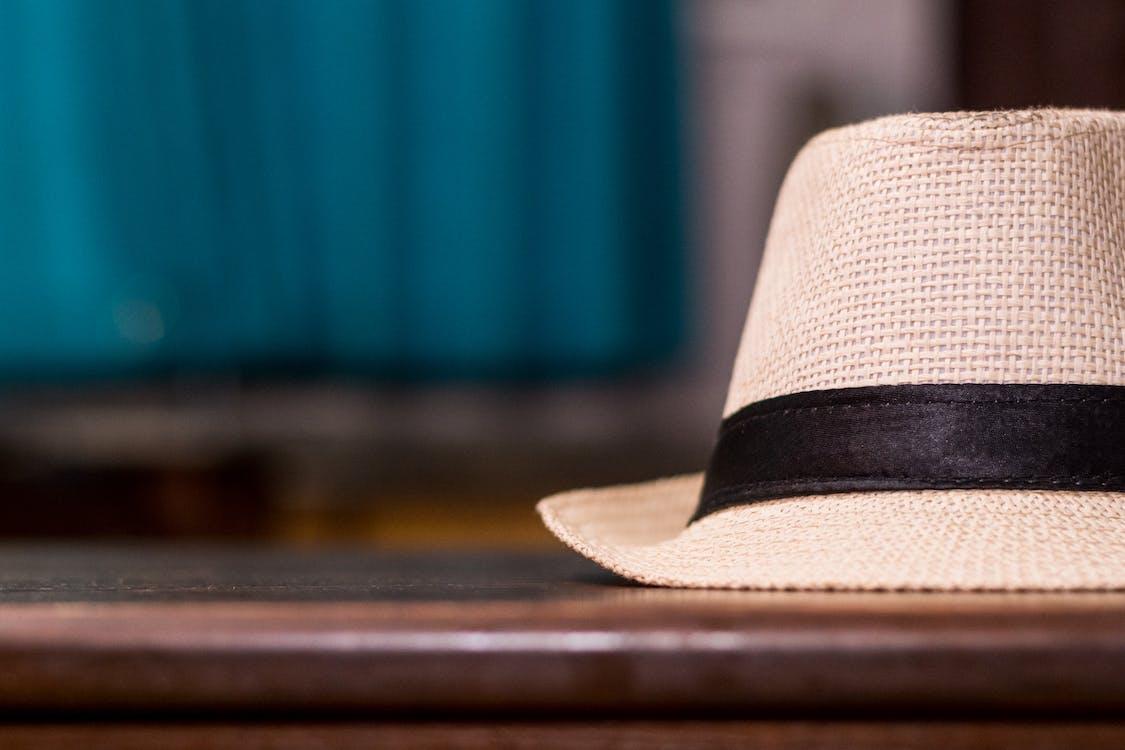 Foto profissional grátis de castanho, chapéu, close