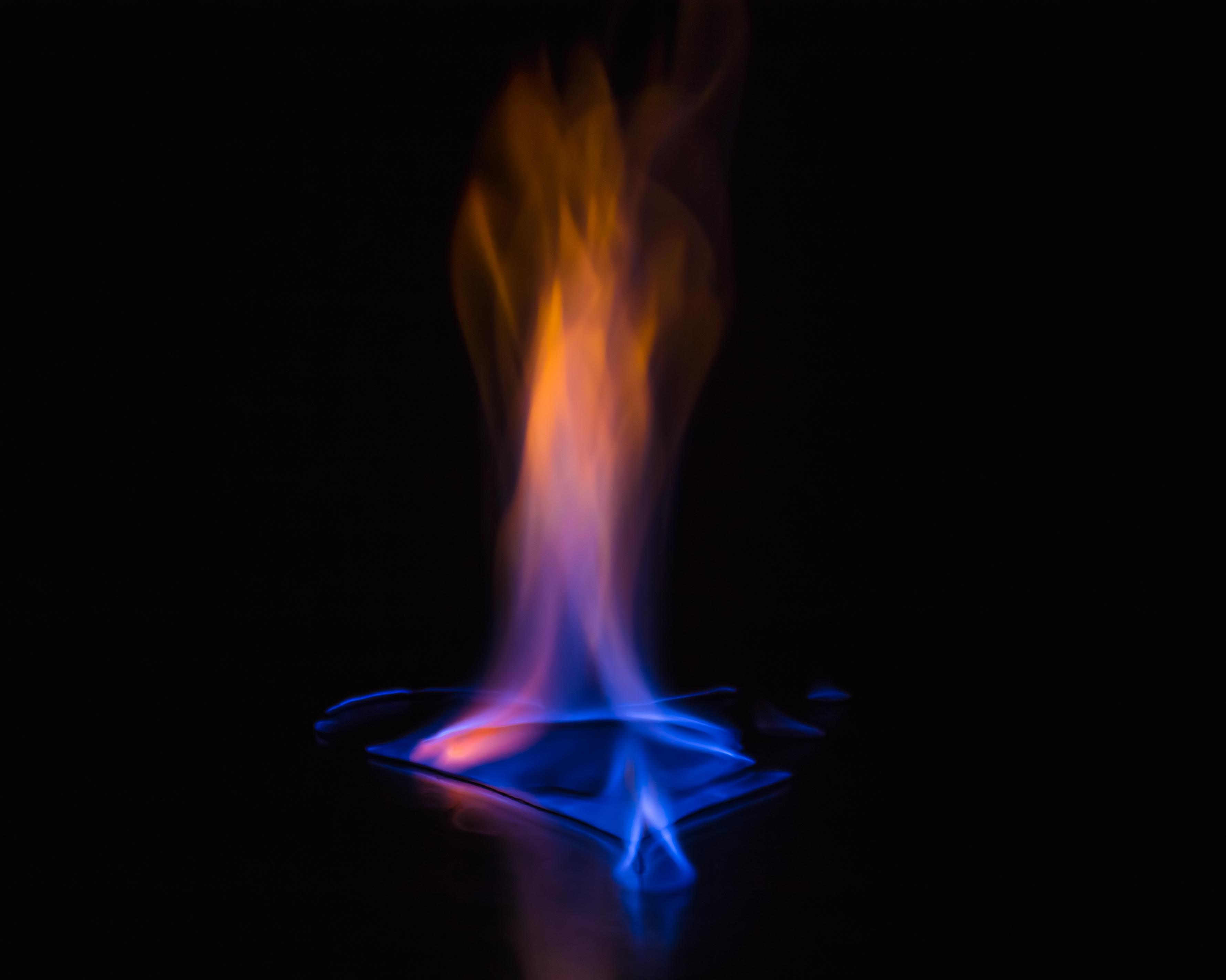 Foto Stok Gratis Tentang Api, Api Biru, Background Hitam
