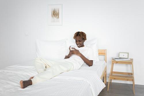 3C用品, iPhone, 人 的 免費圖庫相片