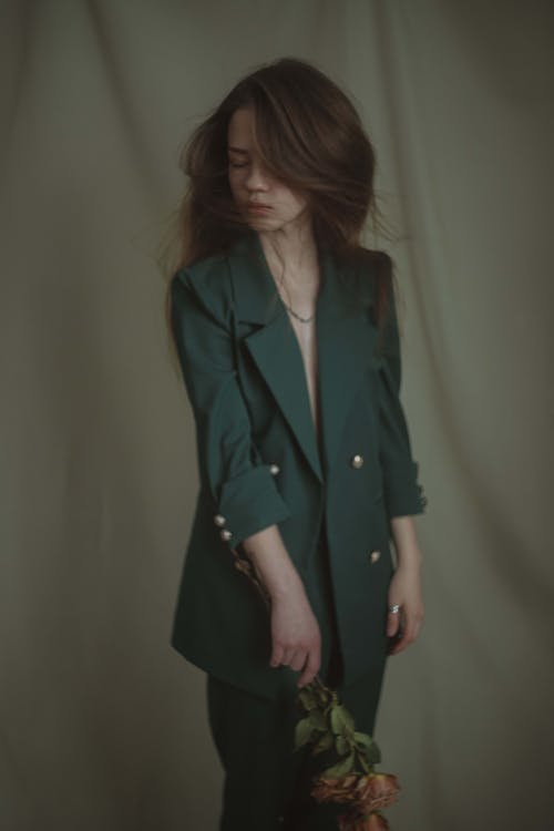 Základová fotografie zdarma na téma brunetka, dáma, denní světlo