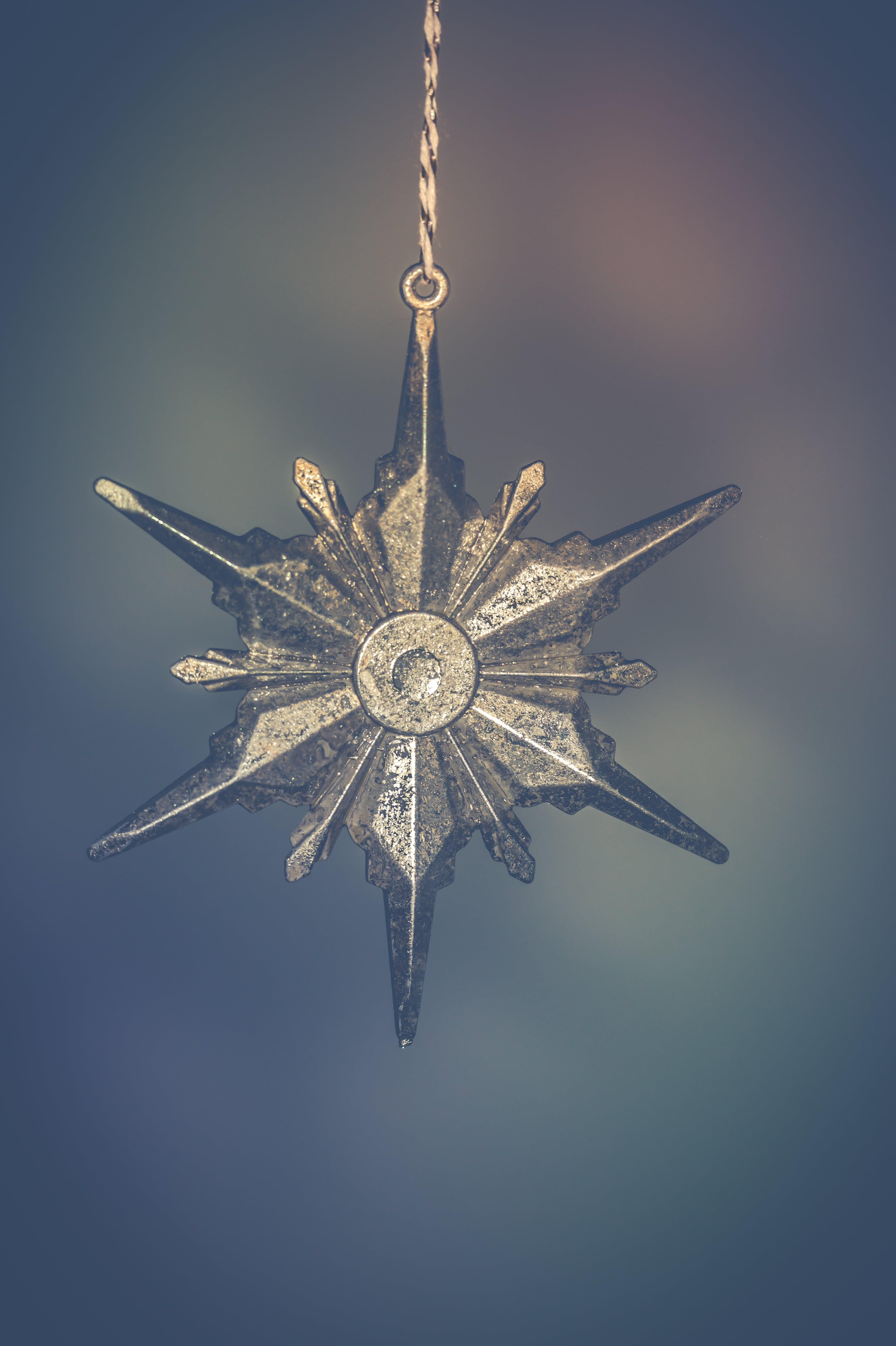 Gray-metallic Star-shaped Decor