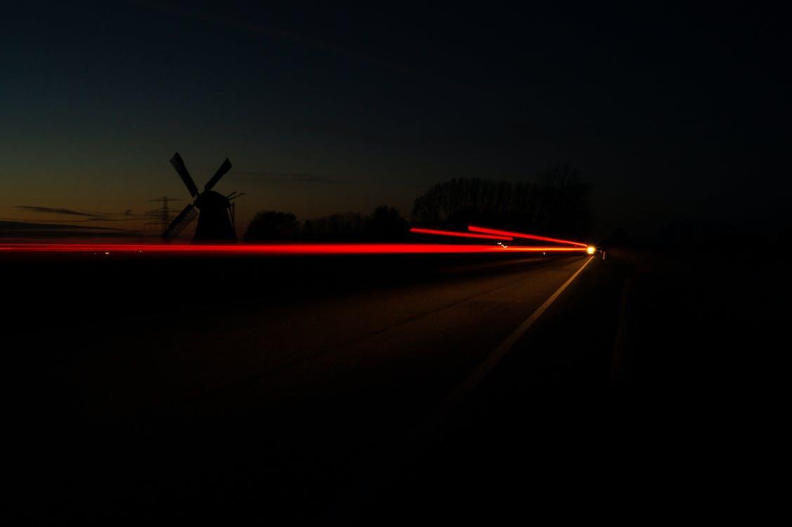 autólámpák, éjszaka, hosszú expozíció