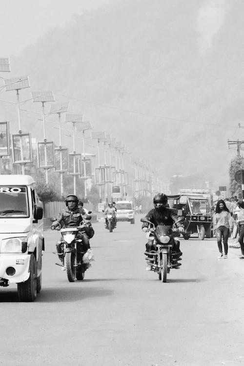 Gratis stockfoto met bestuurder, bij elkaar voegen, biker