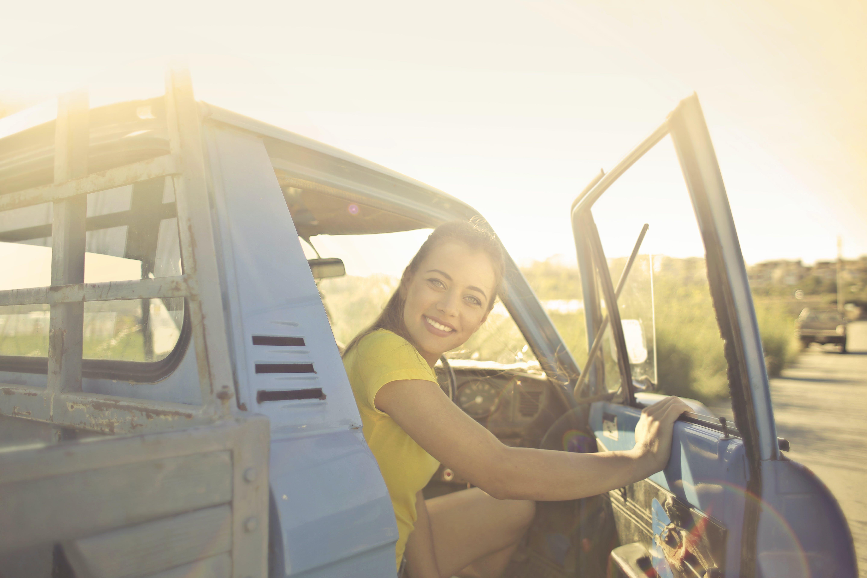 zu auto, drinnen, erholung, erwachsener