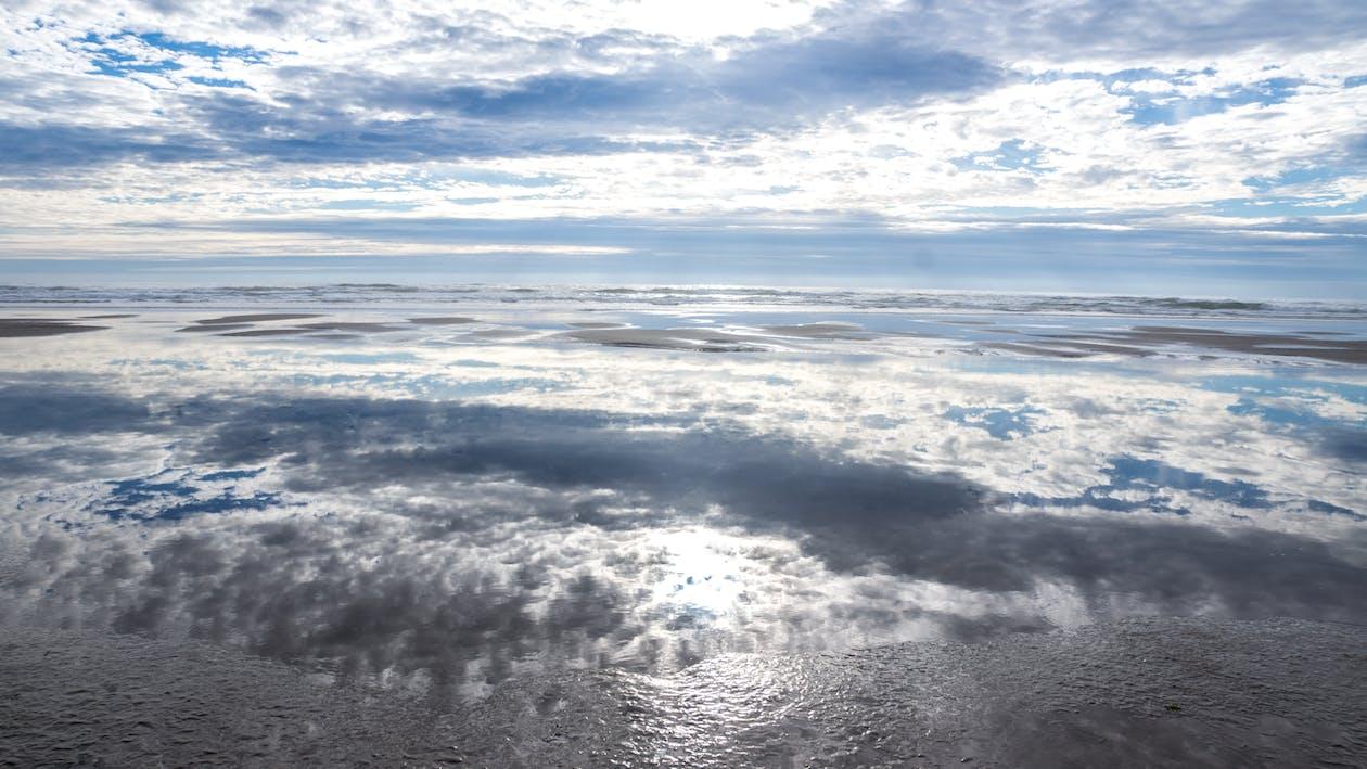 kde se obloha setkává s mořem, mrak reflexe, mraky