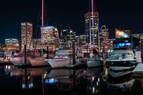 Foto profissional grátis de barcos, beira-mar, botes