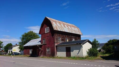 Kostnadsfri bild av blå himmel, gammalt hus