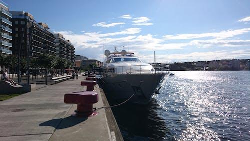 Kostnadsfri bild av båt, blå himmel, pir