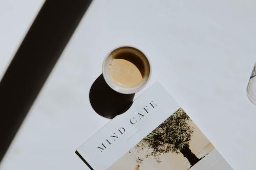 Kostnadsfri bild av böcker, bok, cappuccino