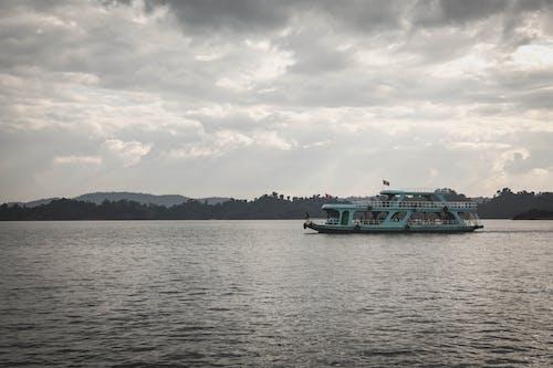Foto d'estoc gratuïta de barca, cel ennuvolat, Laos, natura