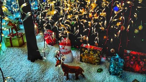 HD duvar kağıdı, mutlu Noeller, Noel, Noel ağacı içeren Ücretsiz stok fotoğraf