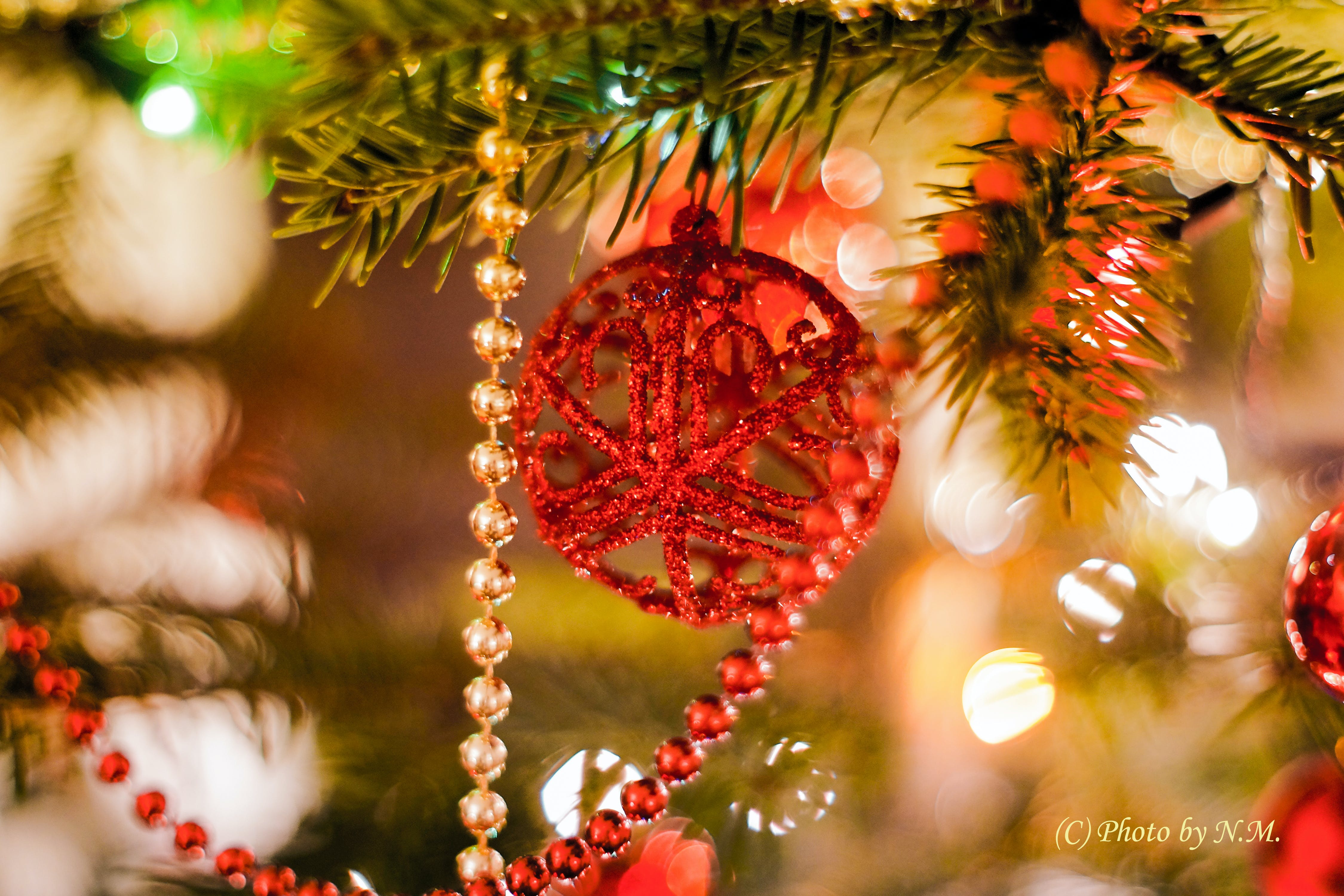 Kostenloses Stock Foto zu baum, candlelights, girlande, neujahr