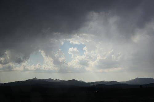 Immagine gratuita di nuvole, paesaggio, scuro, valle