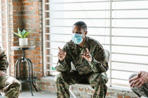 Photos gratuites de afro-américain, armée américaine, chaise pliante