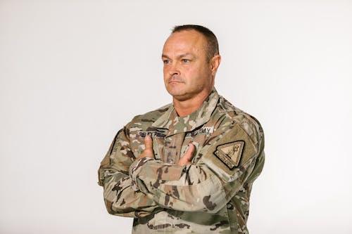 Gratis stockfoto met amerikaans leger, andere kant op kijken, camouflage