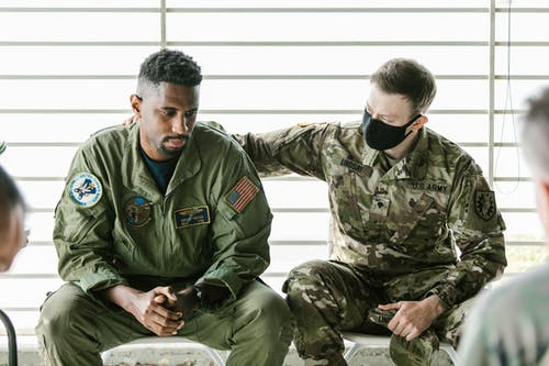 Photo of Soldier Supporting his Team Mate