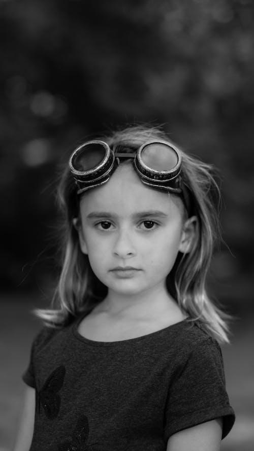 Gratis lagerfoto af ansigtsudtryk, barn, briller, fantasy