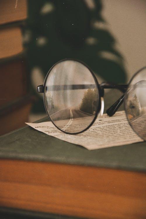 Fotos de stock gratuitas de de cerca, gafas, gafas de lectura