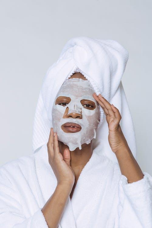 Gratis lagerfoto af afroamerikansk kvinde, ansøge, anti aldring