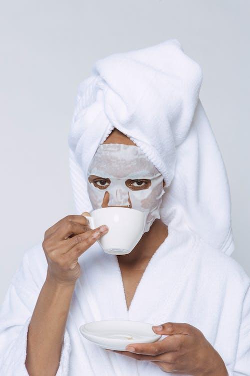 Gratis lagerfoto af afroamerikansk kvinde, ark, daglig