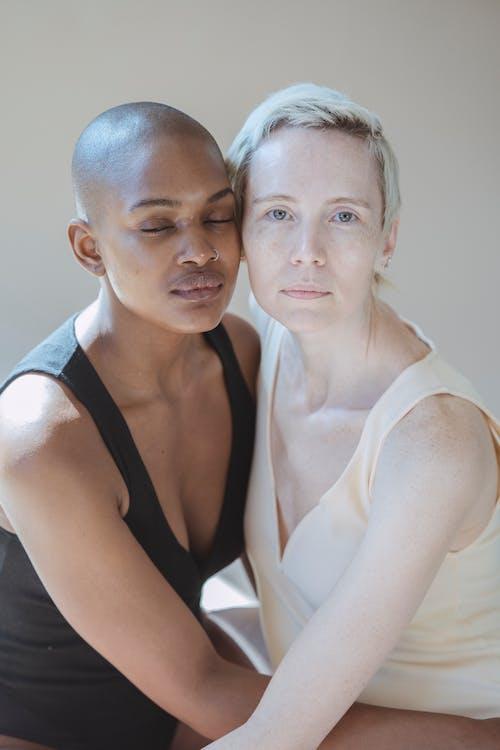 アダルト, アフリカ系アメリカ人女性, インドアの無料の写真素材